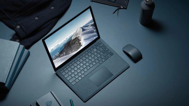 Surface Laptop、購入後1ヶ月レビュー!Macbook Proからの乗り換え!
